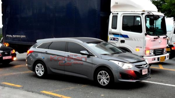 hyundai i40cw 3 Scooped: Hyundai i40 CW caught again.
