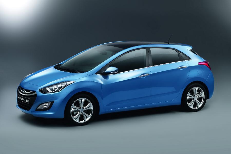 Us Meet The 2013 Hyundai Elantra Hatchback The Korean