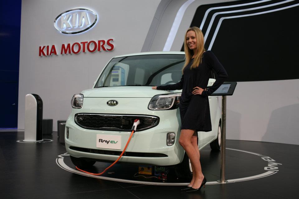 Kia motors america debuts uvo e services at 2012 ces for Kia motors usa com
