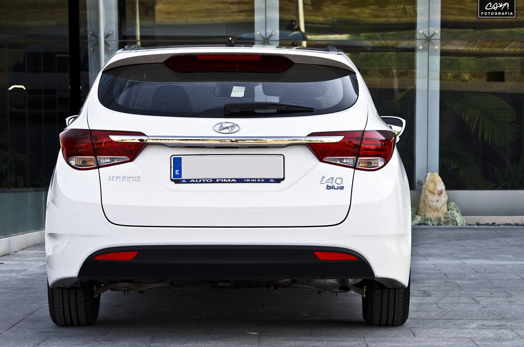 Review 2012 Hyundai I40 Cw Blue Drive 1 7 Crdi 136 Hp