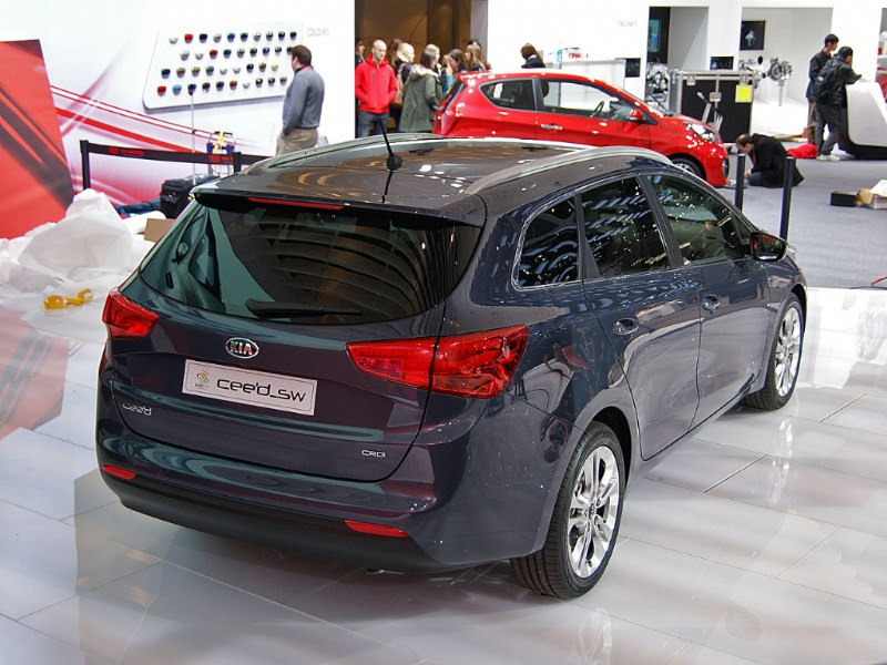 WafgN The 2012 Kia ceed SW to debut at the Geneva Motor Show [Updated]