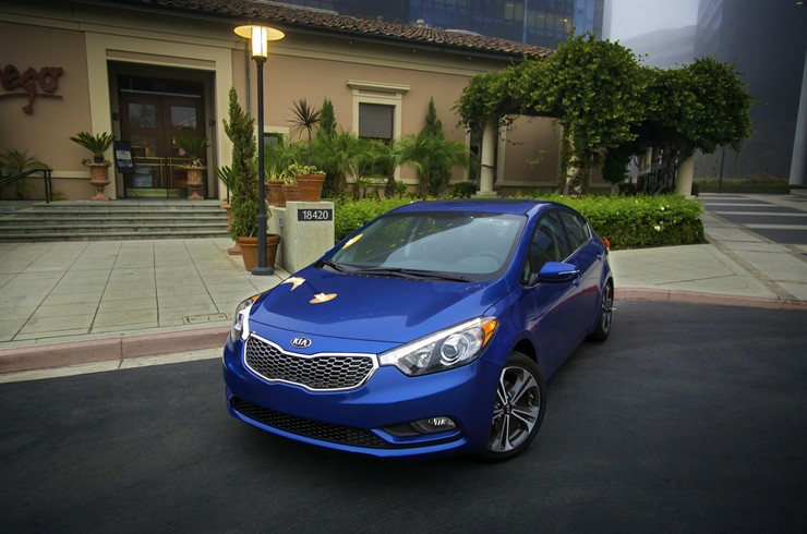 4930 1 2 2012 LA Auto Show: The New Kia Forte is here!