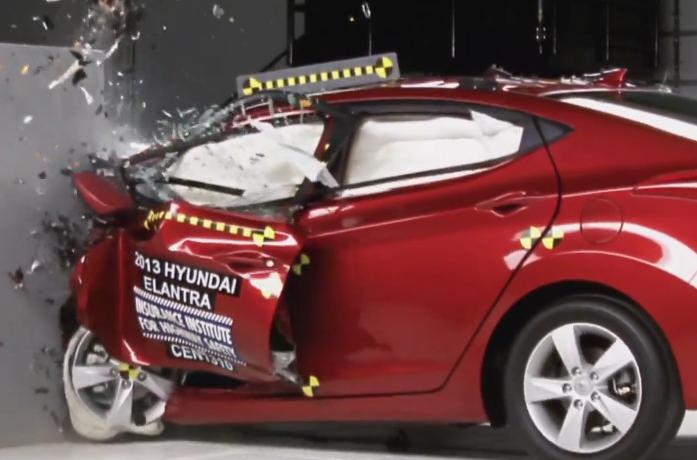 2013 hyundai elantra sedan earns iihs top safety pick the korean car blog. Black Bedroom Furniture Sets. Home Design Ideas