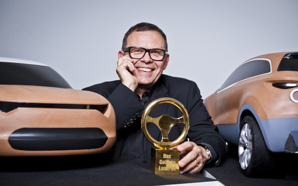 Golden_Steering_Wheel_Peter_Schreyer_1-3