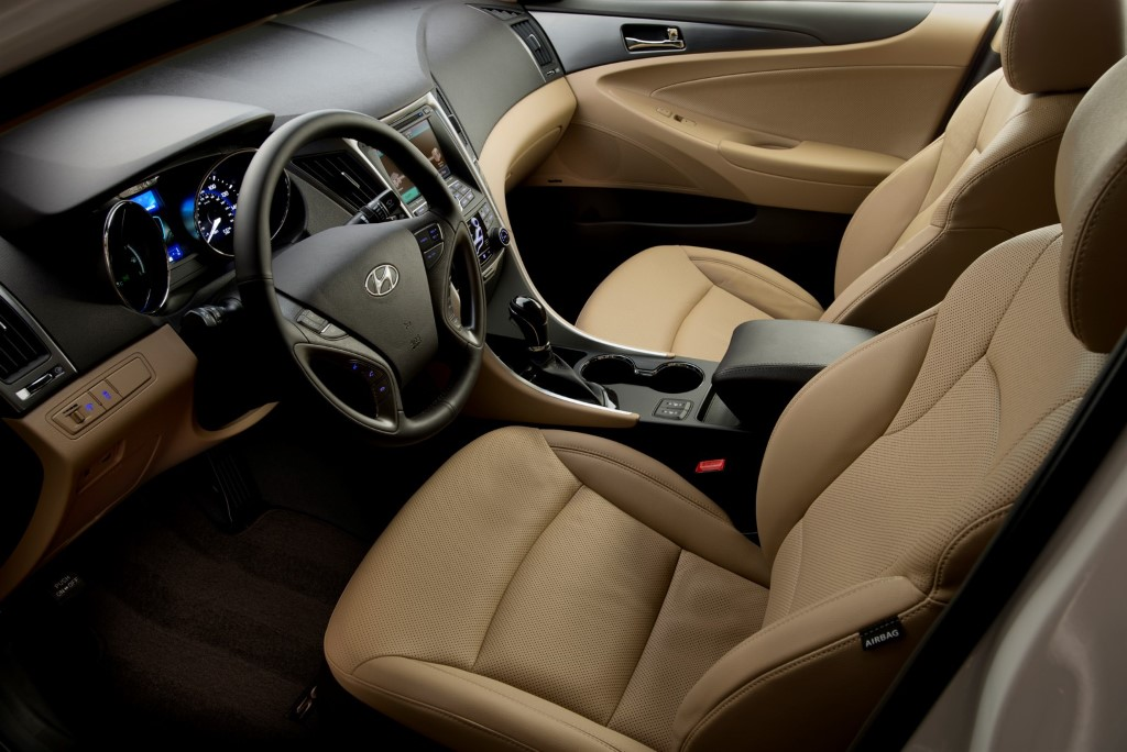 2014 Sonata Hybrid Refreshes Interior Maximizes Electric Only Driving Efficiency The Korean