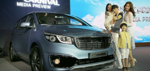 2014-kia-carnival-launched-in-south-korea (1) (Custom)