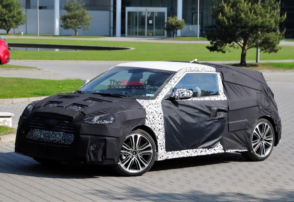 Scooped: Hyundai Veloster Turbo Facelift Caught For The First Time