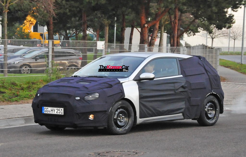exclusive-hyundai-i20-coupe-scooped-for-the first-time.jpg