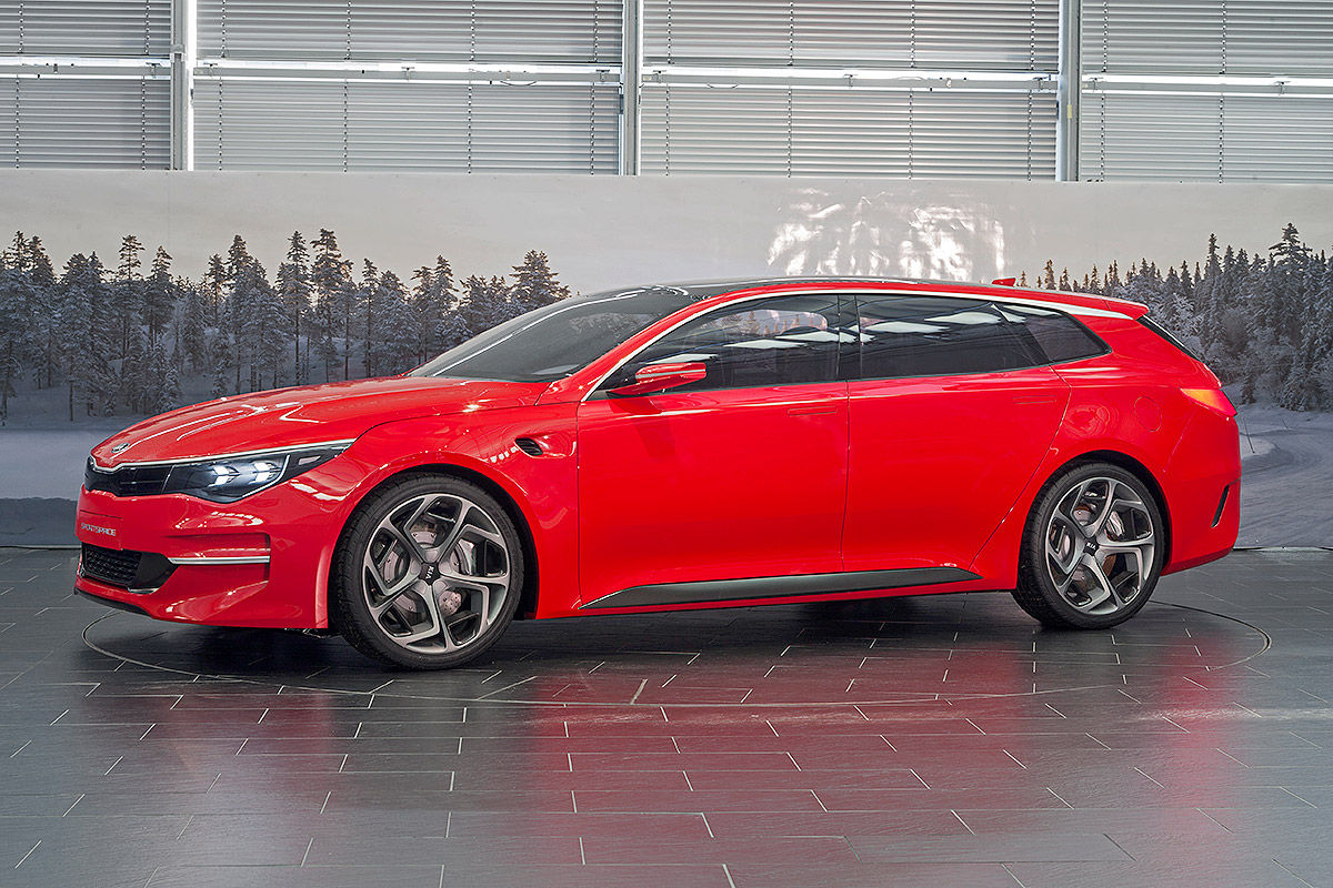 real life pictures of kia optima wagon concept sportspace the korean car blog. Black Bedroom Furniture Sets. Home Design Ideas
