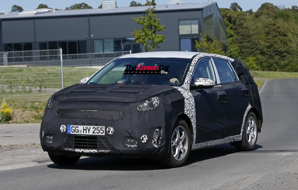 2016 kia niro hybrid suv spotted the korean car blog kia niro hybrid