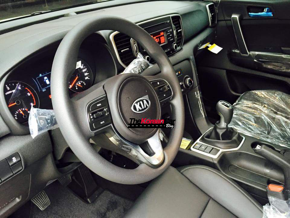 2016 kia sportage base version 5 basic model kia sportage spotted the korean car blog Kia Sportage Engine Fuse at readyjetset.co