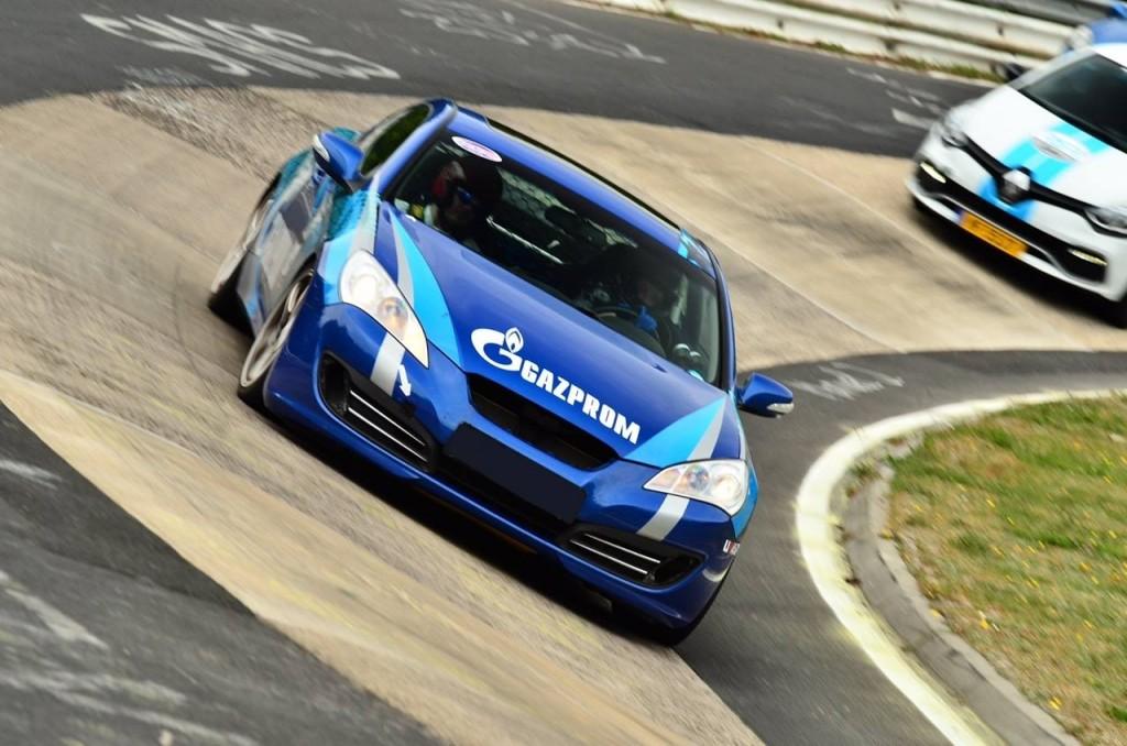 interview tatiana genesis coupe race car thekoreancarblog (3)