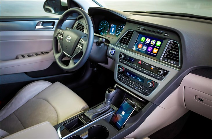HYUNDAI APPLE CARPLAY