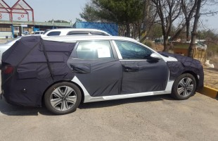 kia optima sportswagon plug in hybrid (2)