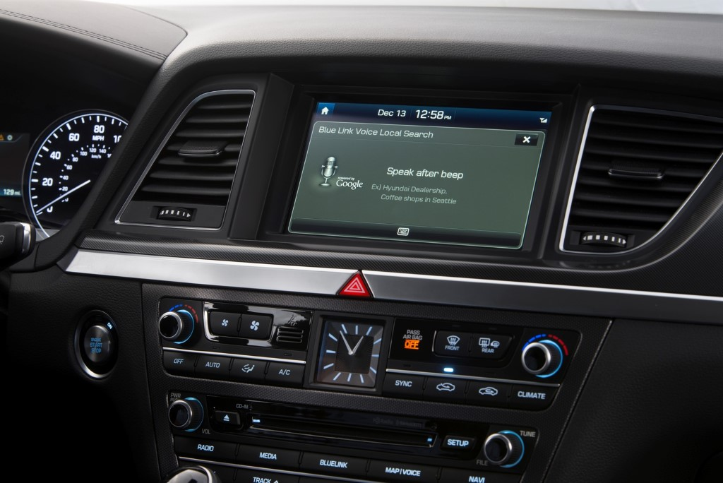 hyundai-blue-link-now-with-google-android-google-glass (15)
