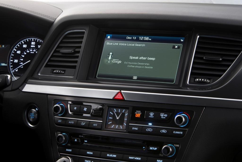 2015-hyundai-genesis-sedan-dashboard (Custom)
