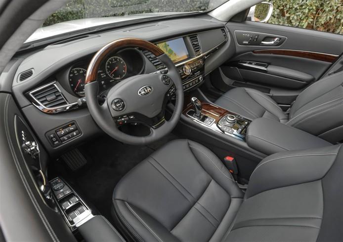 2015-us-market-kia-k900-interior