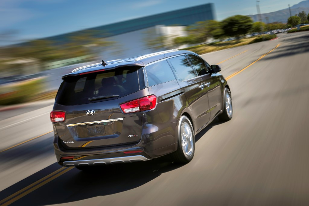 2015-kia-sedona-revealed (13)