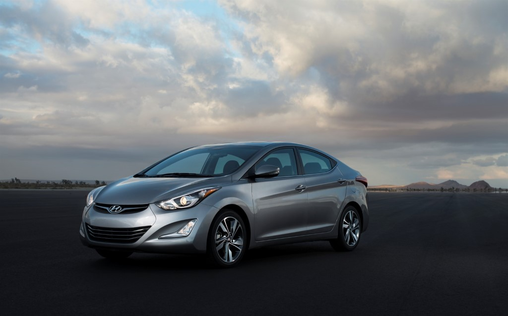 US: Hyundai Launch 2015 Elantra With Light Changes