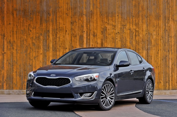 US: Kia Launched the 2015 Cadenza with Minor Updates