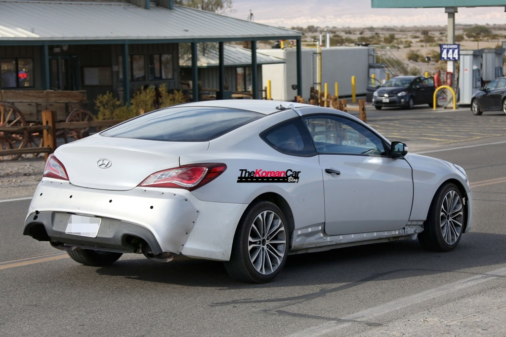 Scooped: 2016 Hyundai Genesis Coupe Caught for the First Time