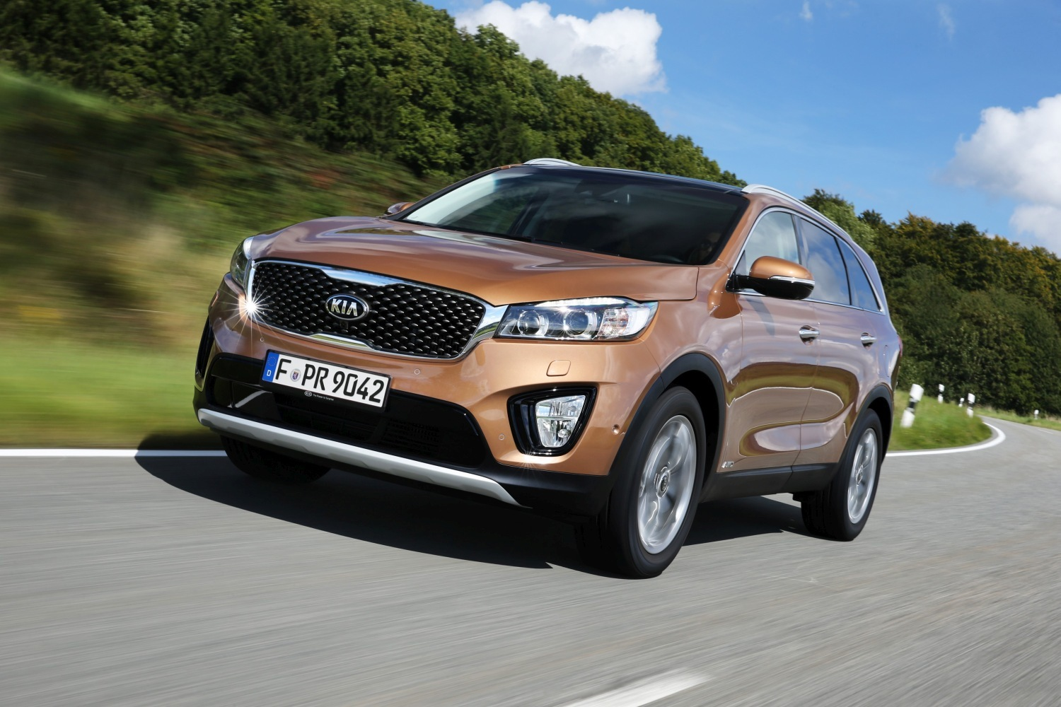 Full Gallery & Details of 2015 Kia Sorento Ahead Paris Motor Show