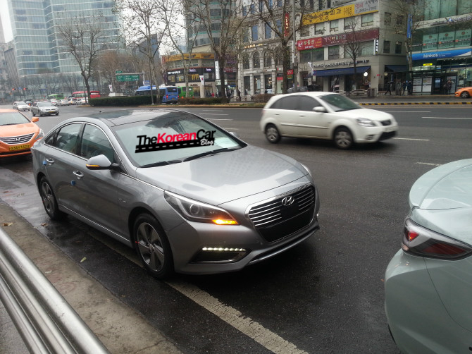 Hyundai Sonata Hybrid Spotted Totally Undisguised