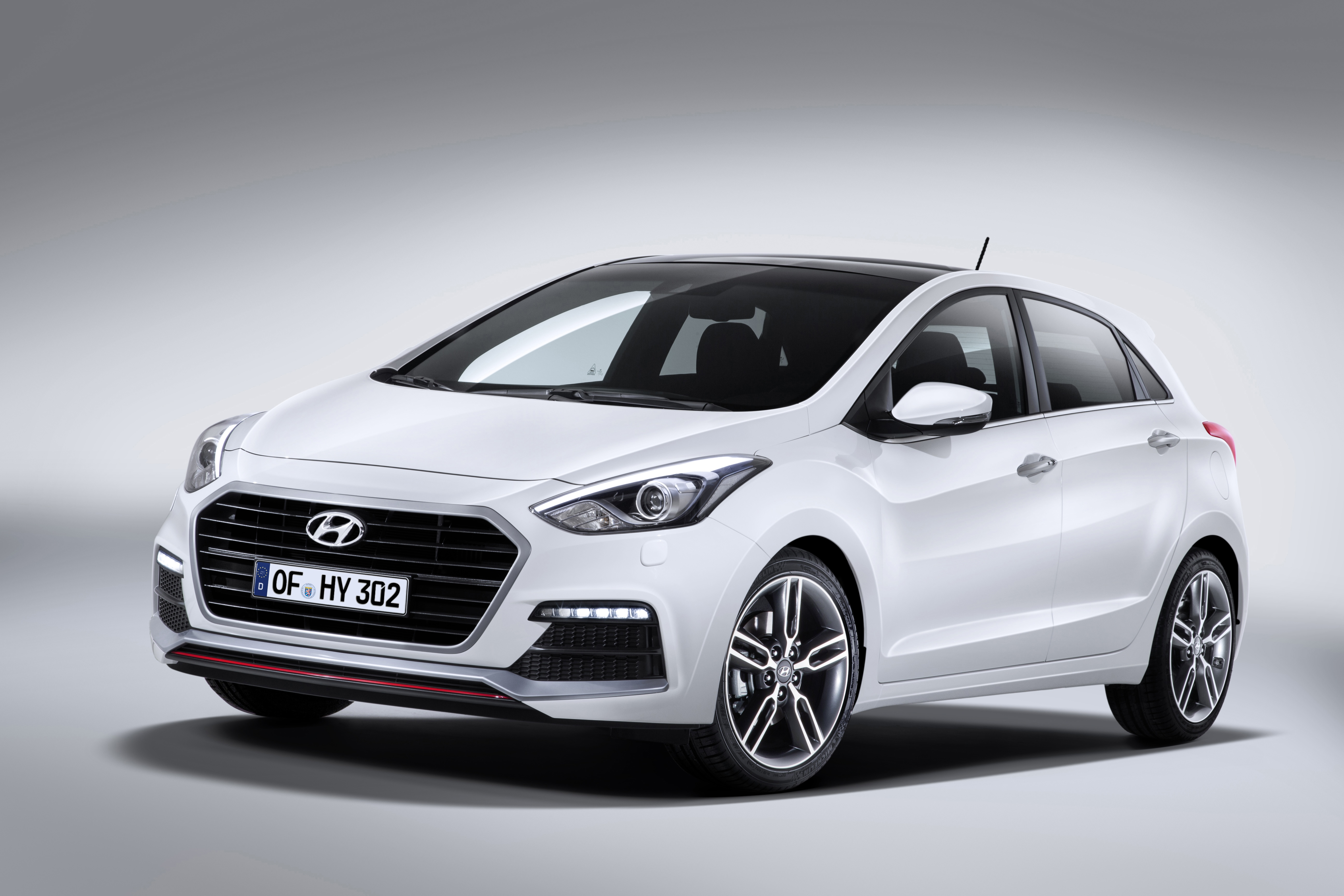 Hyundai Launched i30 Turbo Hot Hatch Delivering 186 hp