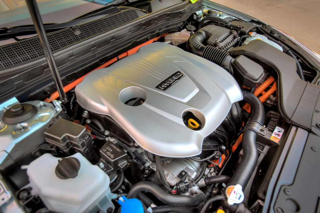 Report: Hyundai To Launch Santa Fe Hybrid Powered Next Year