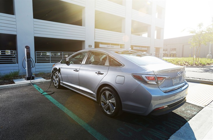 Hyundai Sonata Plug-in Finally Revealed 22 Mile All-Electric Range