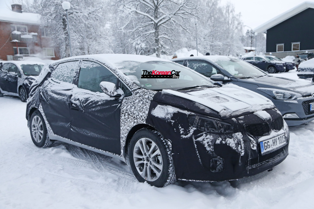 Kia cee'd Facelift Spotted for the First Time
