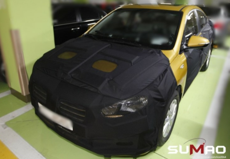 Next Gen Hyundai Accent Spied for the First Time
