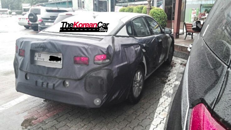 Next-gen Kia Optima Hybrid Spotted