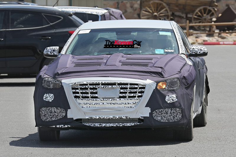 Hyundai Genesis Sedan Turbo Spied for the First Time (1)
