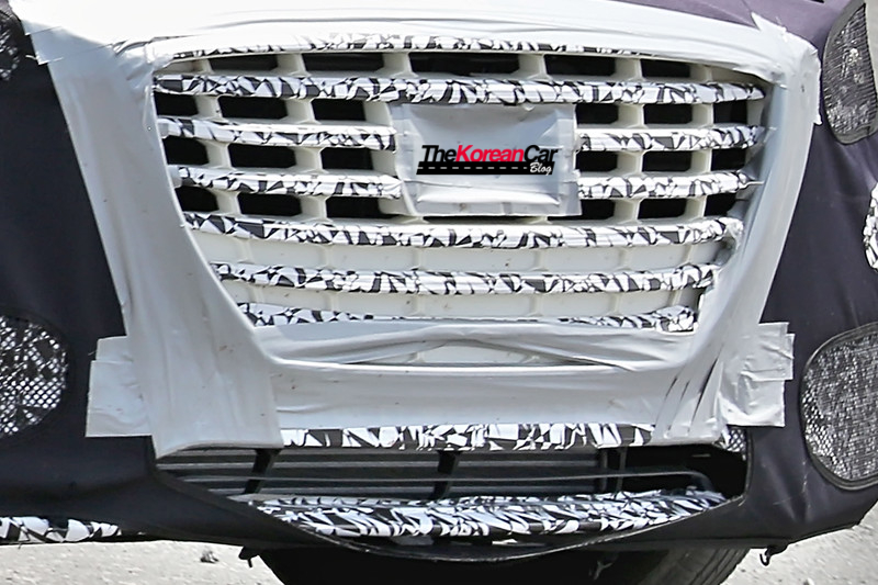 Hyundai Genesis Sedan Turbo Spied for the First Time (4)