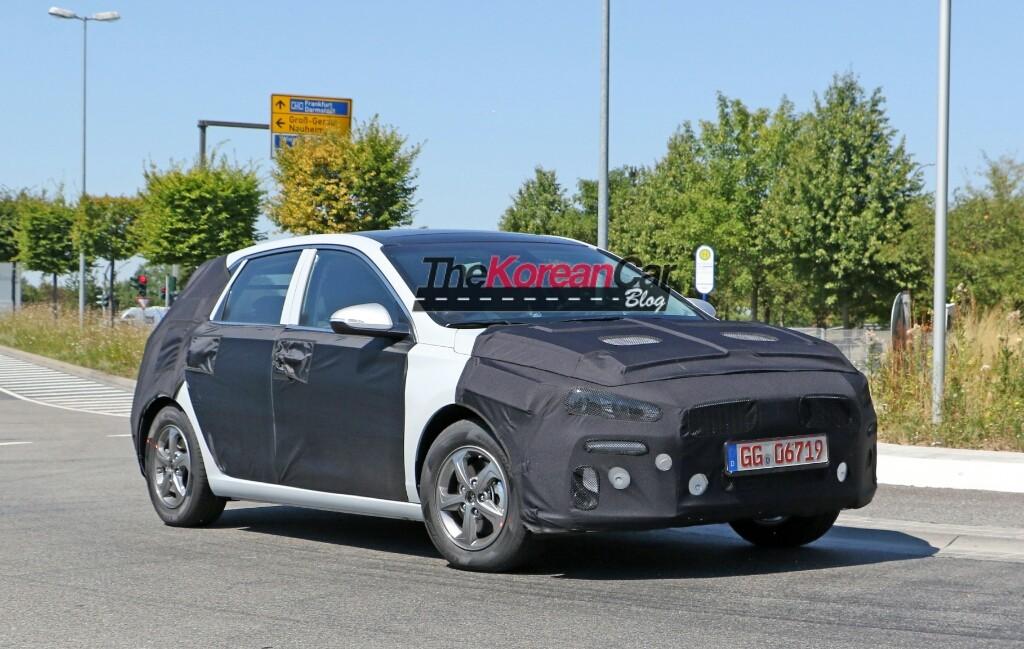 Hyundai Sportsvan Spotted (4)