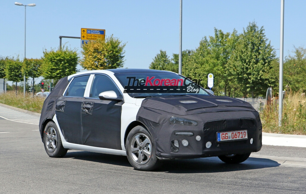 Mysterious Hyundai SportsVan Spotted