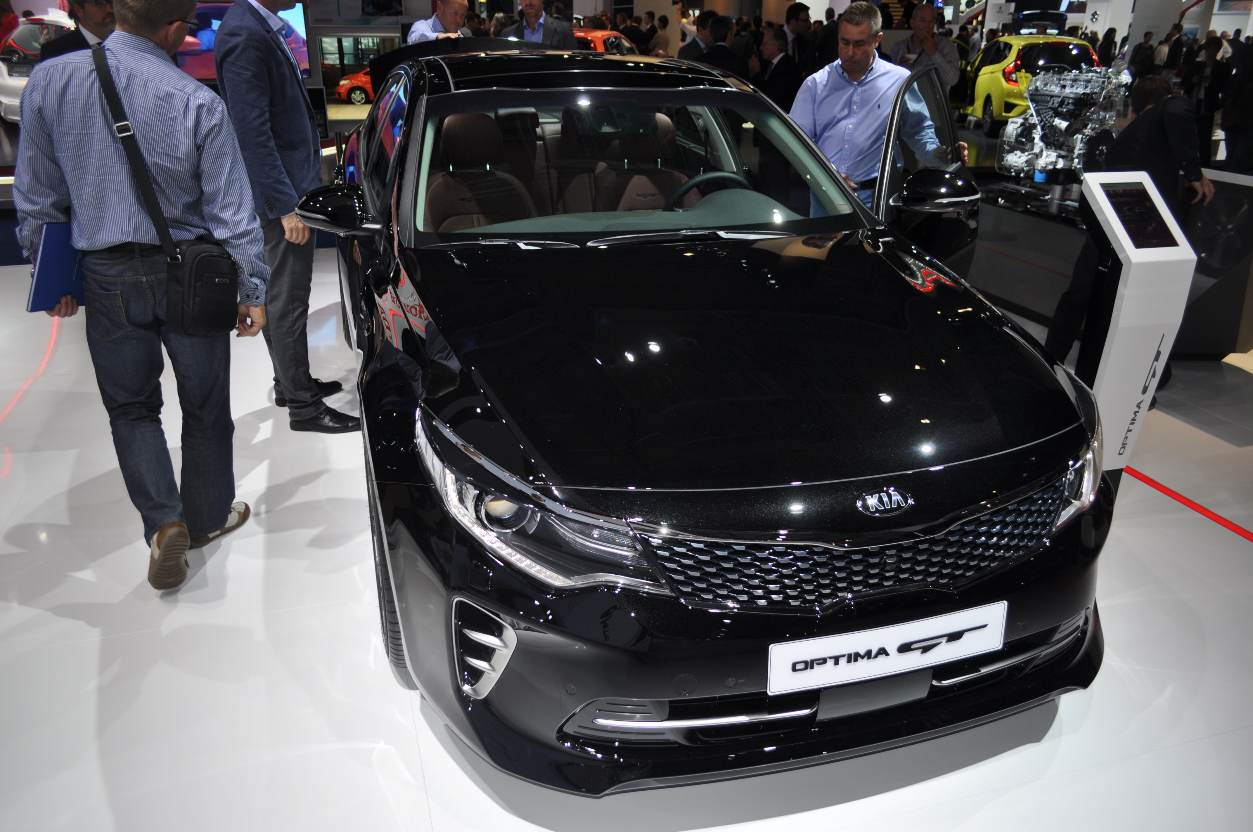 Kia Confirmed an Optima GT in Frankfurt