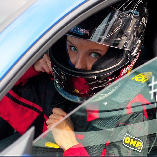 interview tatiana genesis coupe race car thekoreancarblog (10)