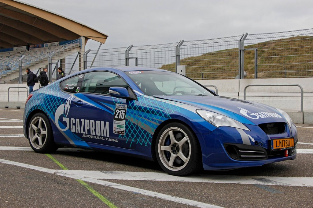 interview tatiana genesis coupe race car thekoreancarblog (7)