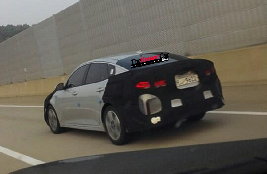 2017 Kia Optima Hybrid 1