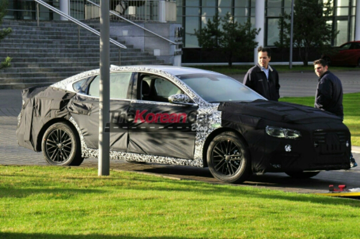 Hyundai or Genesis? Where is the new Azera going?