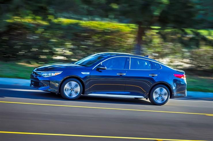 Kia Motors Unveils 2017 Optima Hybrid