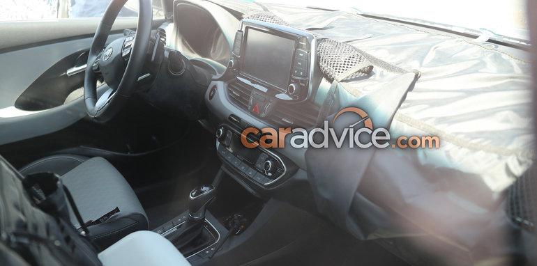 Hyundai i30 inside spy pictures