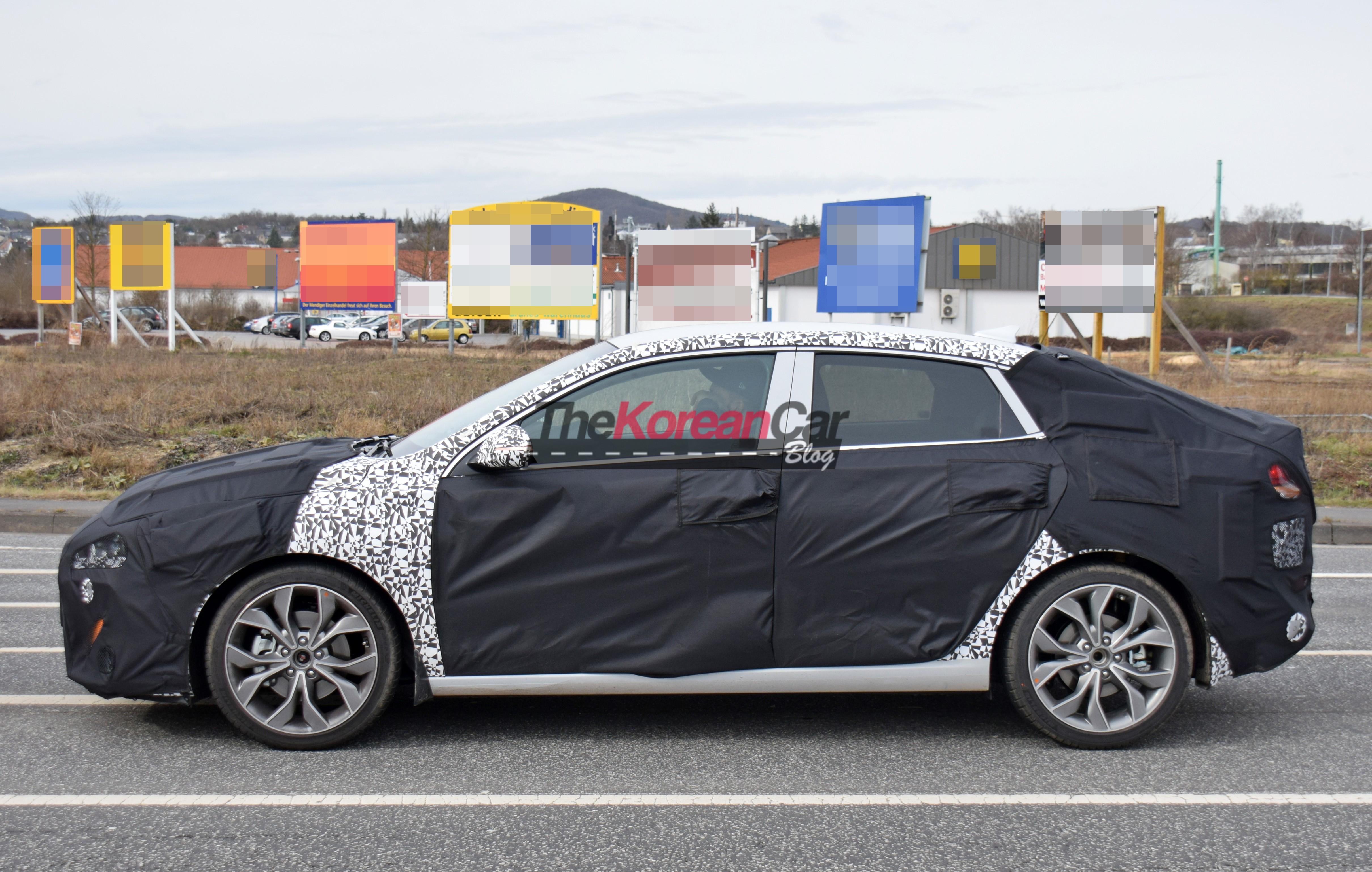 Spyshot: Hyundai i30 fastback