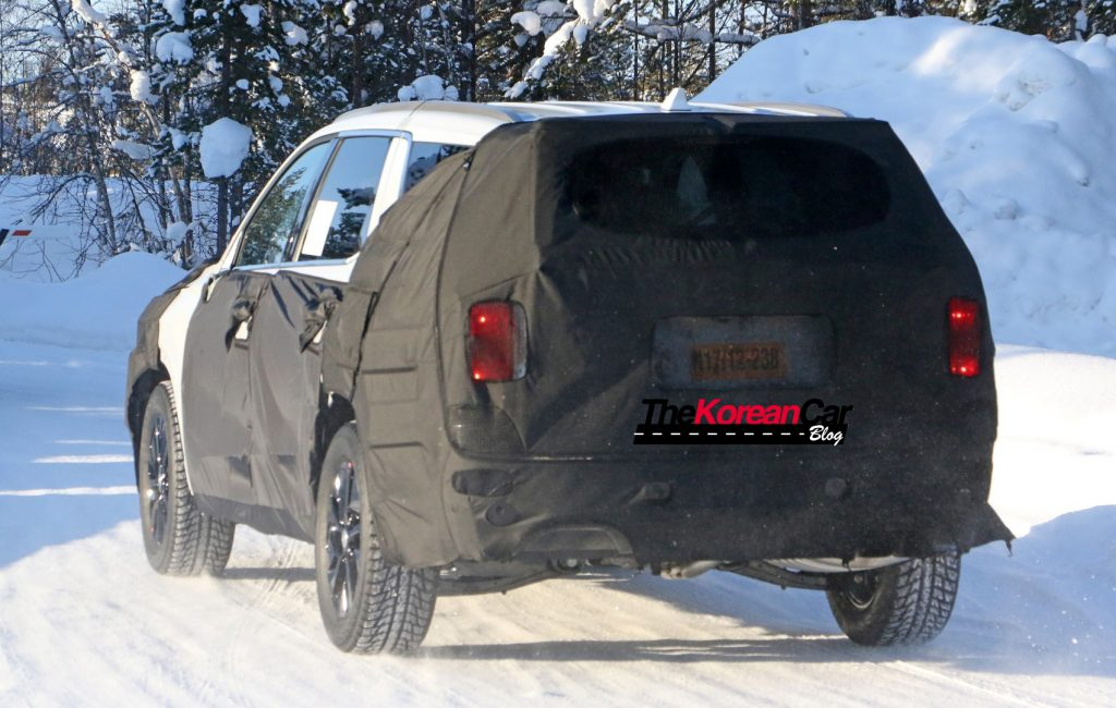 Hyundai Full Size SUV 10