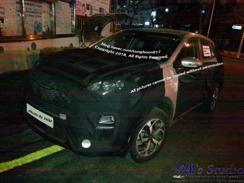 Kia Sportage Facelift Spied Up Close