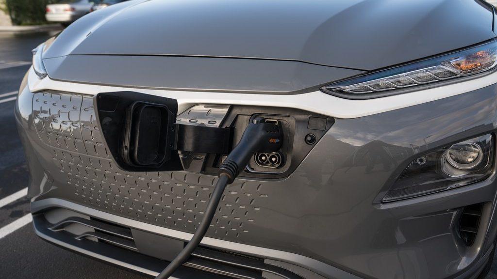 Hyundai To Build an EV SUV Prototype