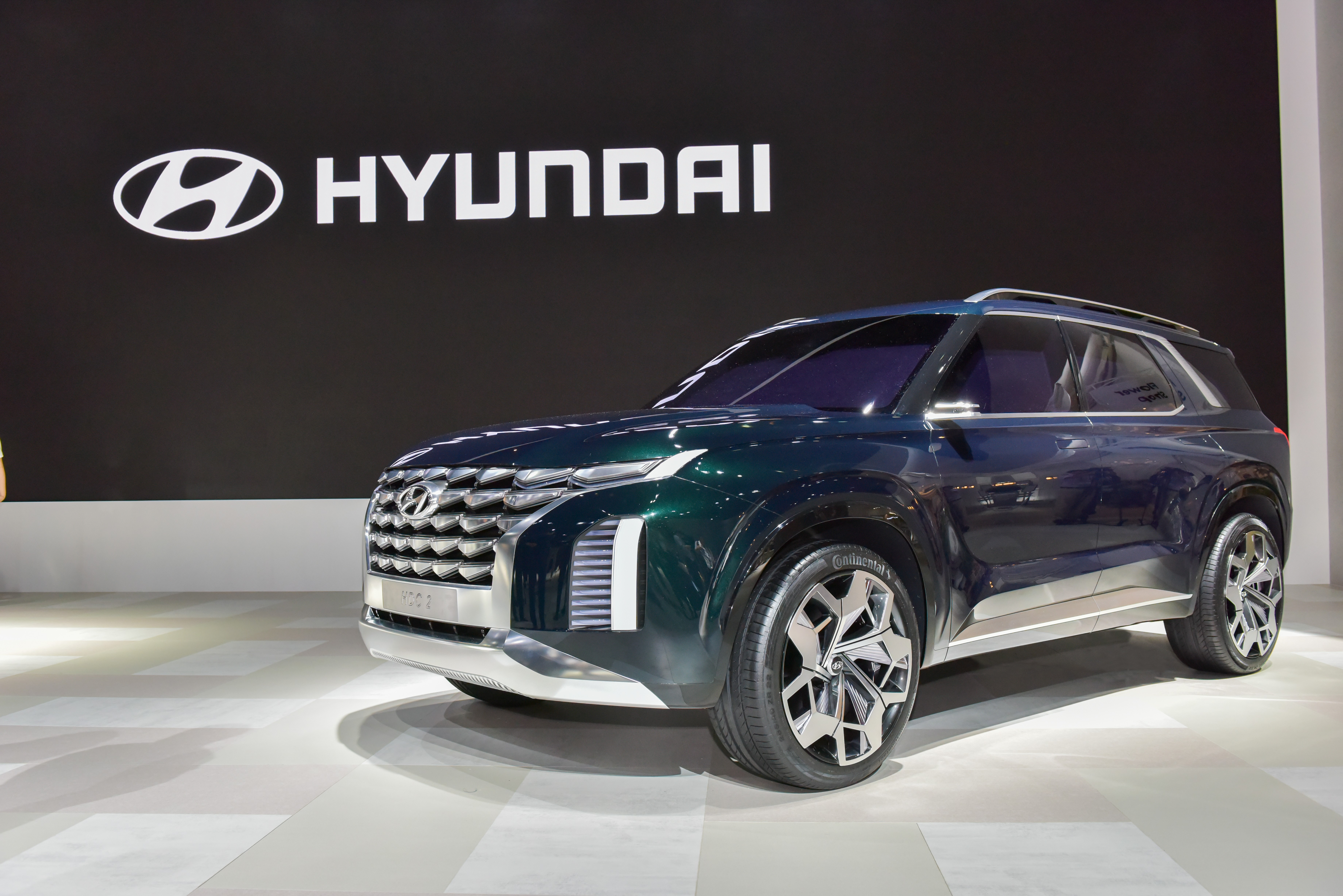 Hyundai Santa Fe XL previewed (2)