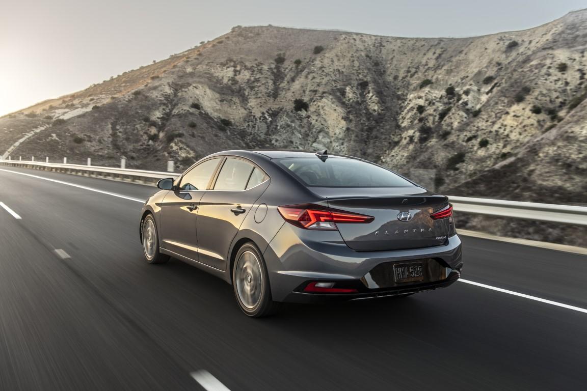Hyundai Unveils Redesigned 2019 Elantra